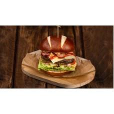 Доставка  Баварский бургер с сочной говяжей котлетой и беконом из Шоколадница