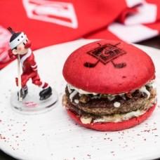 Доставка  Красно-белый бургер из True Burgers